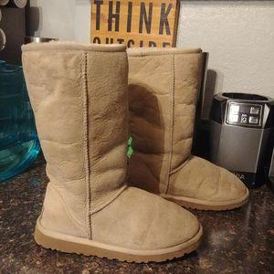 Ugg tan tall boots sz 6